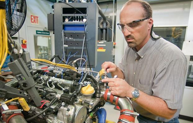 Argonne National Laboratory Uses Ni Engine Control System