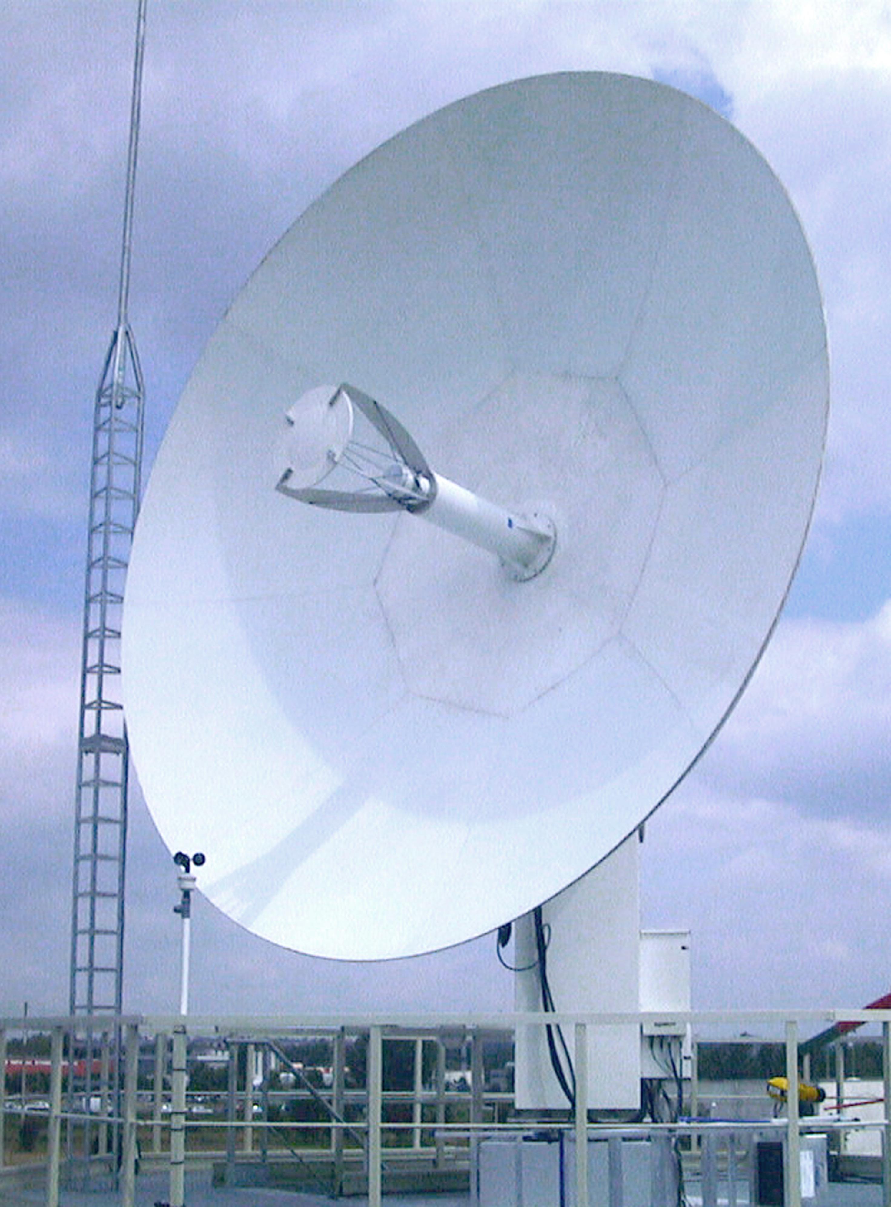 La folle histoire d une pci 6534 et d un satellite for Regler une antenne satellite
